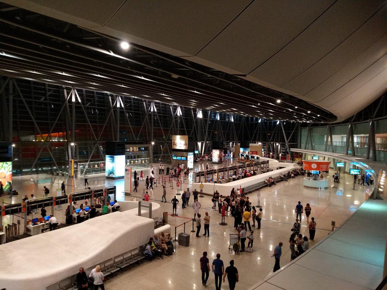 Общий вид терминала 2 аэропорта Ереван Звартноц