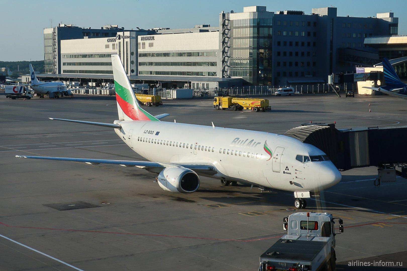 Боинг-737-800 LZ-BOO авиакомпании Bul Air в аэропорту Внуково