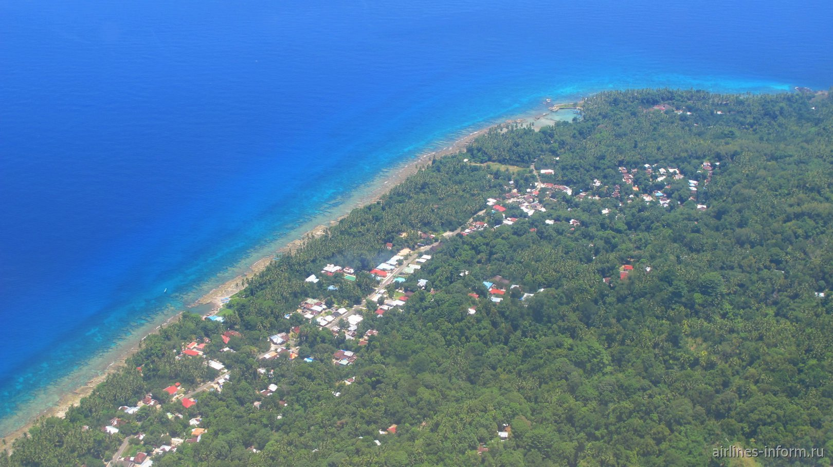Деревня на острове Амбон в Индонезии