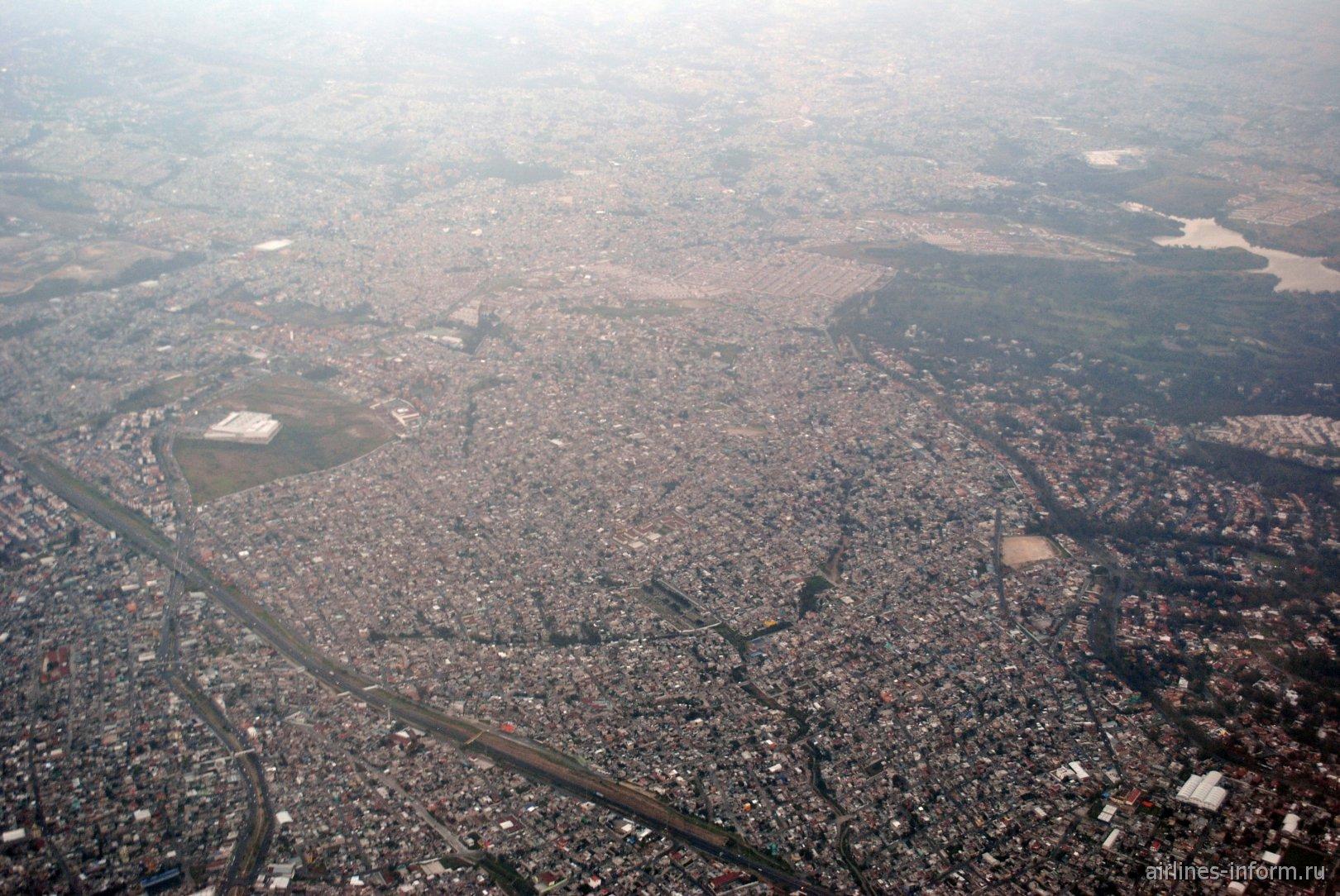 Район Lomas de las Torres на окраине Мехико