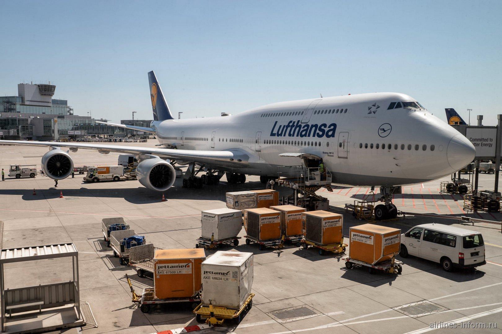 Авиалайнер Боинг-747-8 D-ABYL авиакомпании Lufthansa в аэропорту Франкфурт