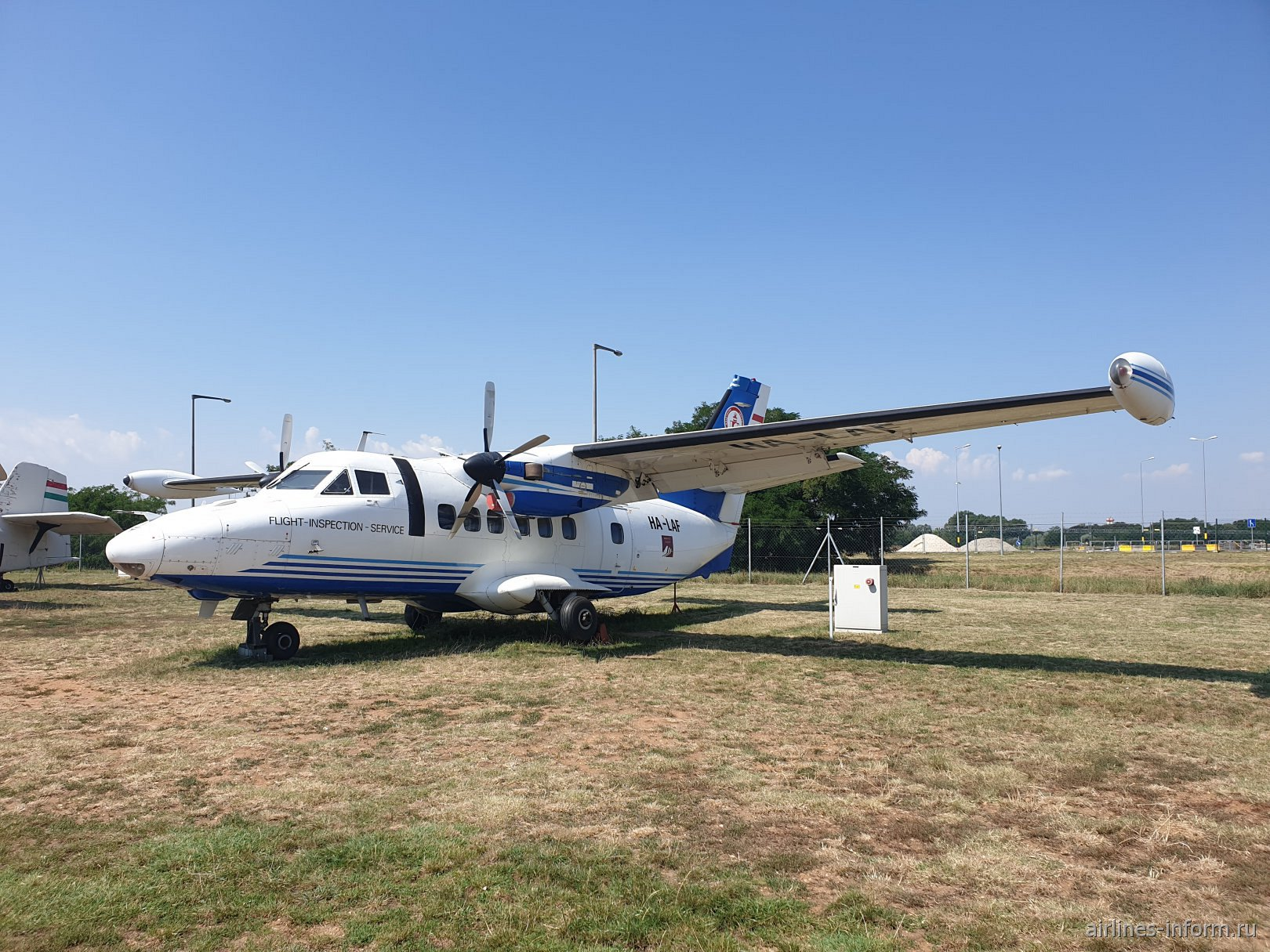 Самолет Let L-410 HA-LAF в авиационном музее аэропорта Будапешт