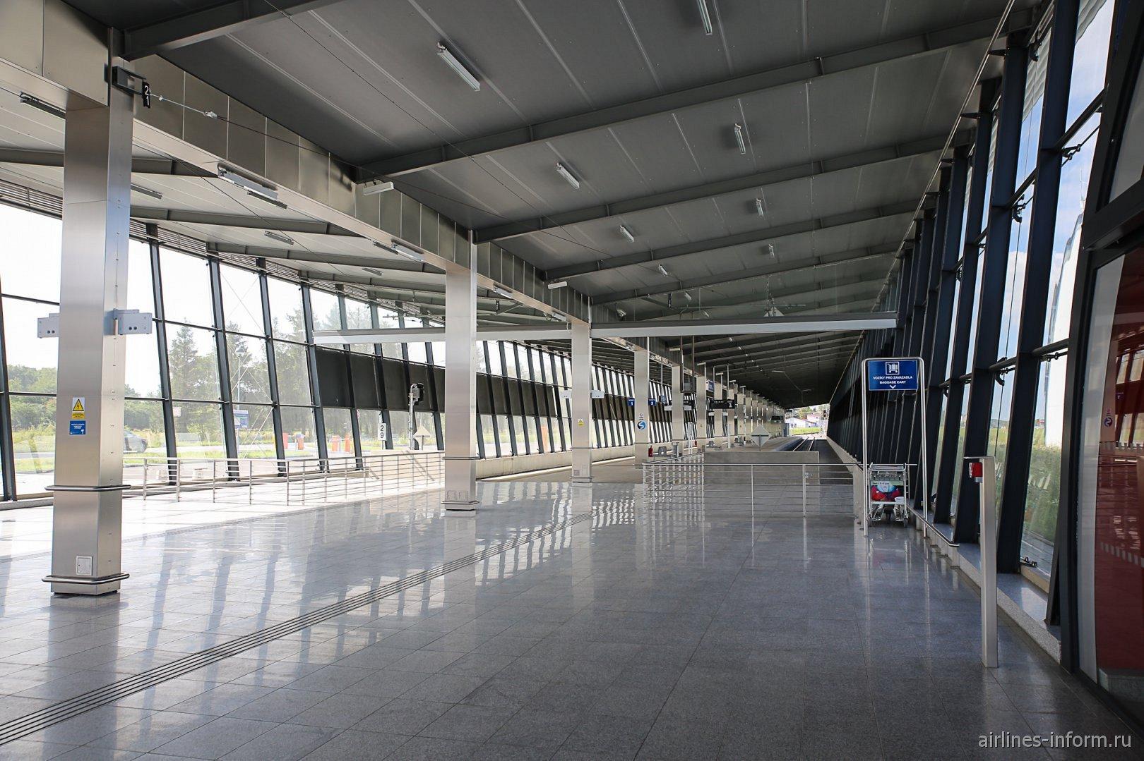 Терминал железнодорожной станции в аэропорту Острава