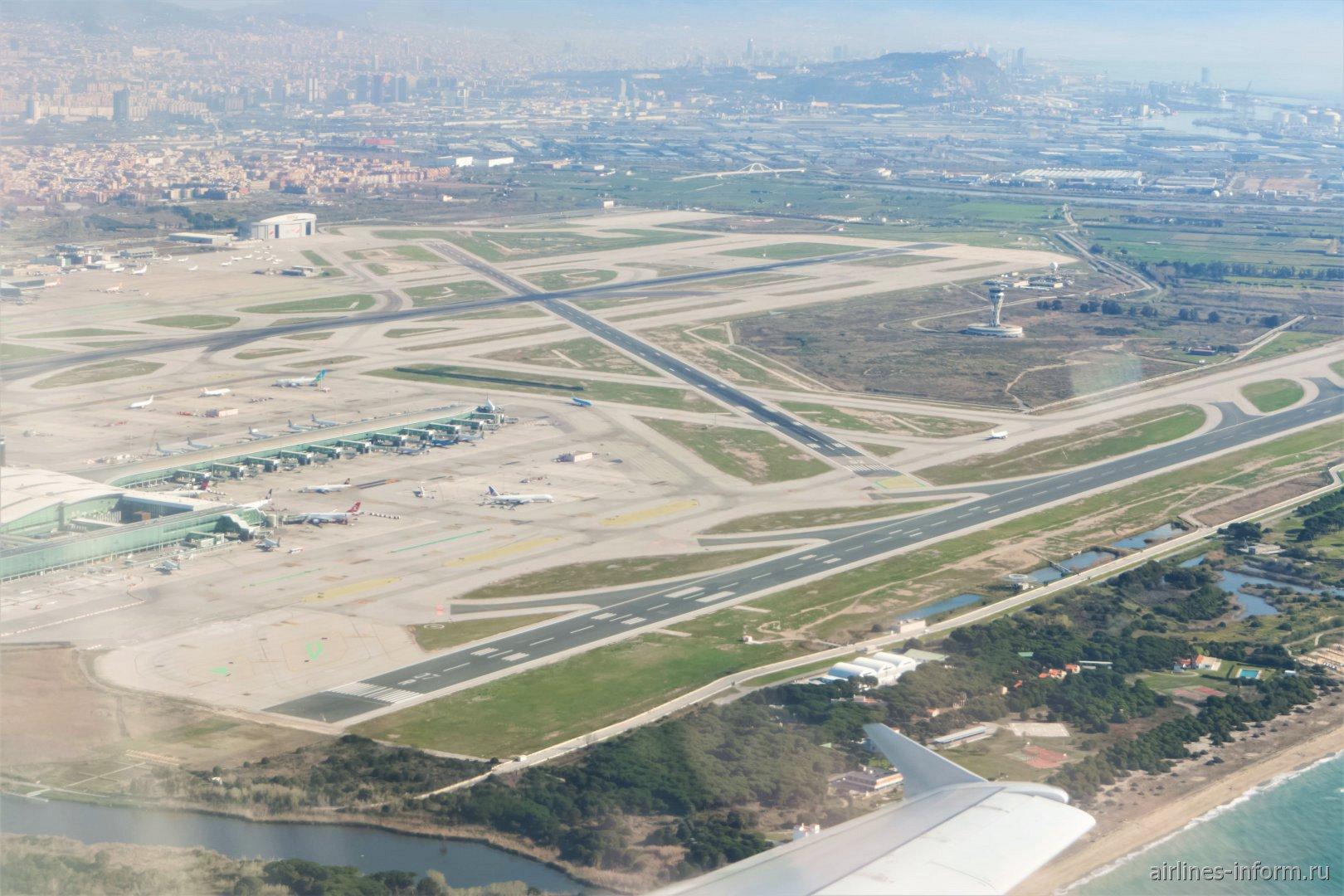 Летное поле аэропорта Эль-Прат в Барселоне