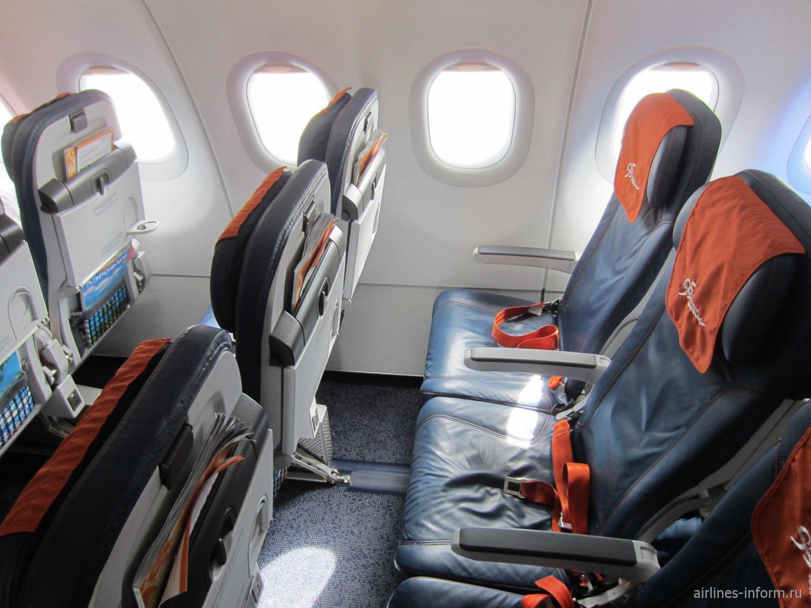 Пассажирские кресла эконом-класса в самолете Airbus A320 Аэрофлота
