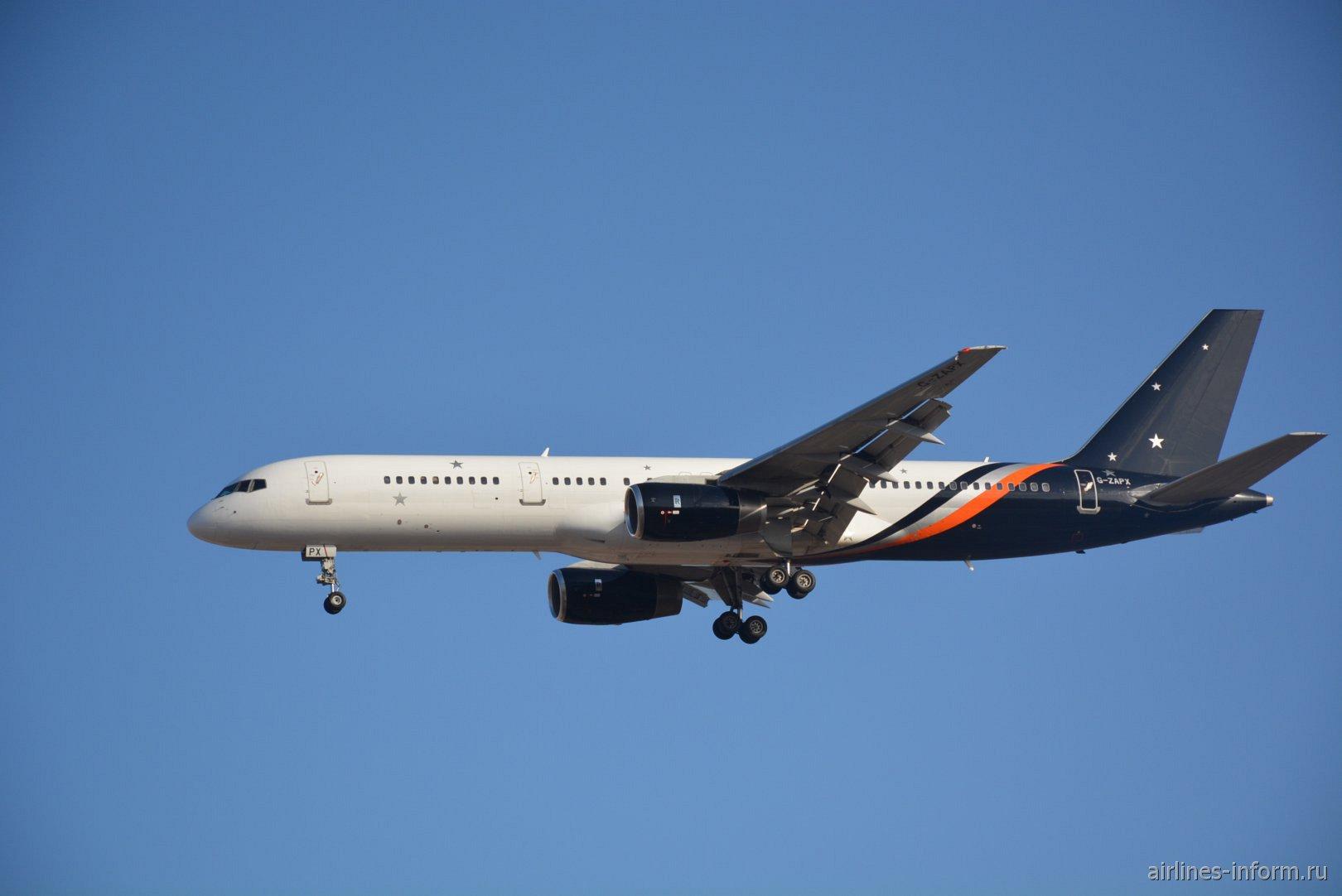 Боинг-757-200 номер G-ZAPX авиакомпании Titan Airways