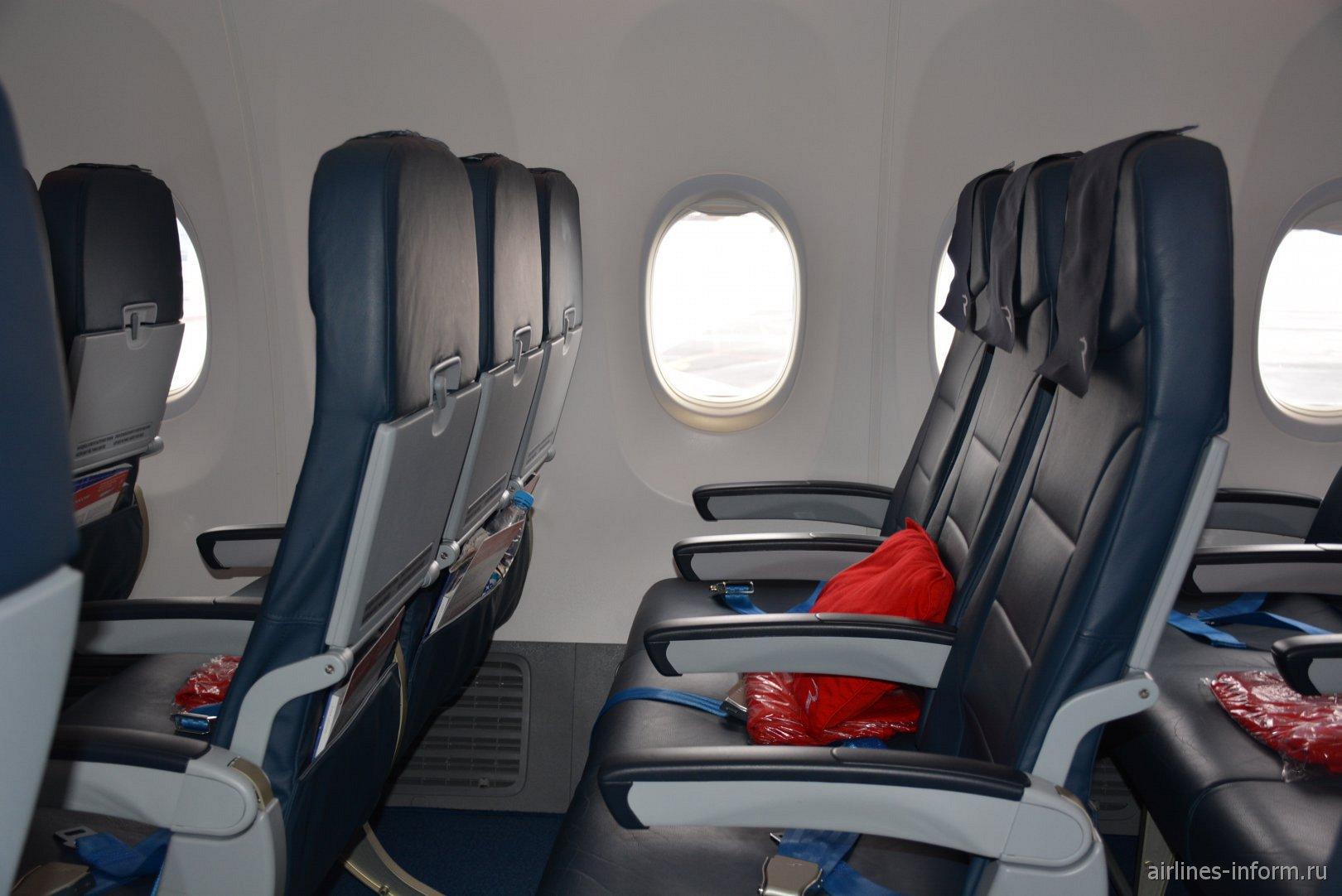 Пассажирские кресла в Боинге-737-800 авиакомпании