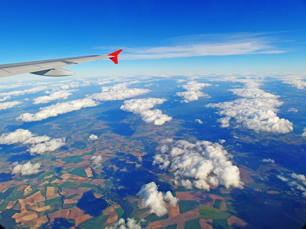 В полете над Францией
