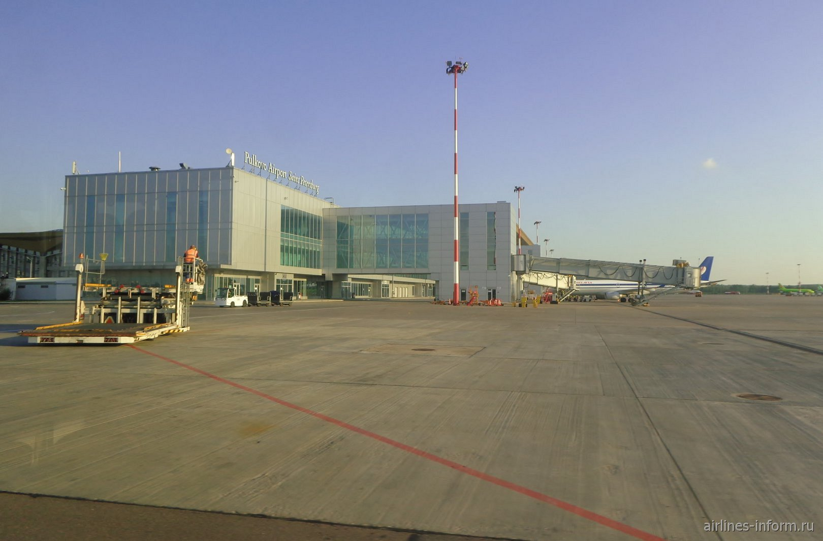 Торец международного сектора аэропорта Санкт-Петербург Пулково