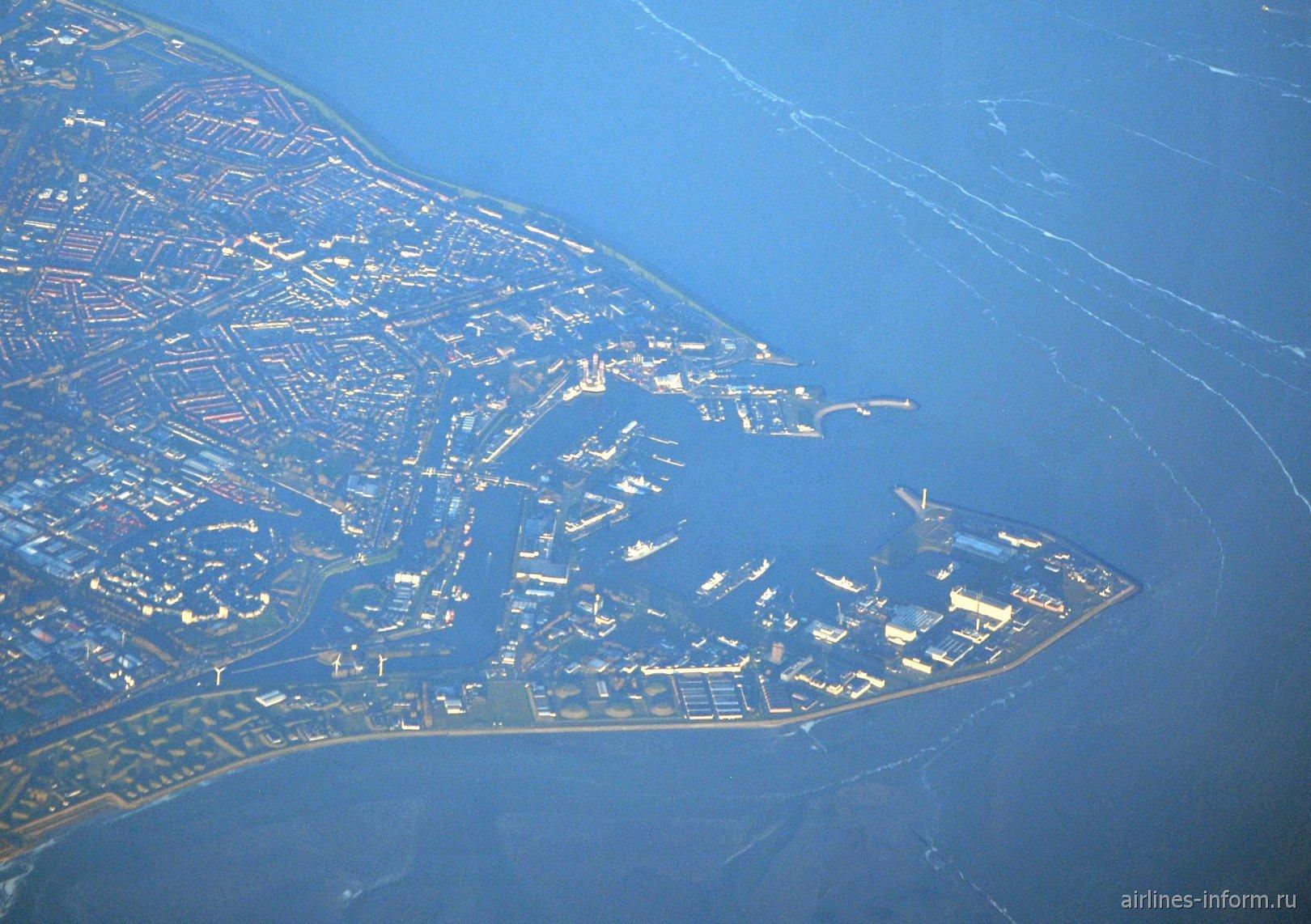 Порт Ден-Хелдер в Северном море