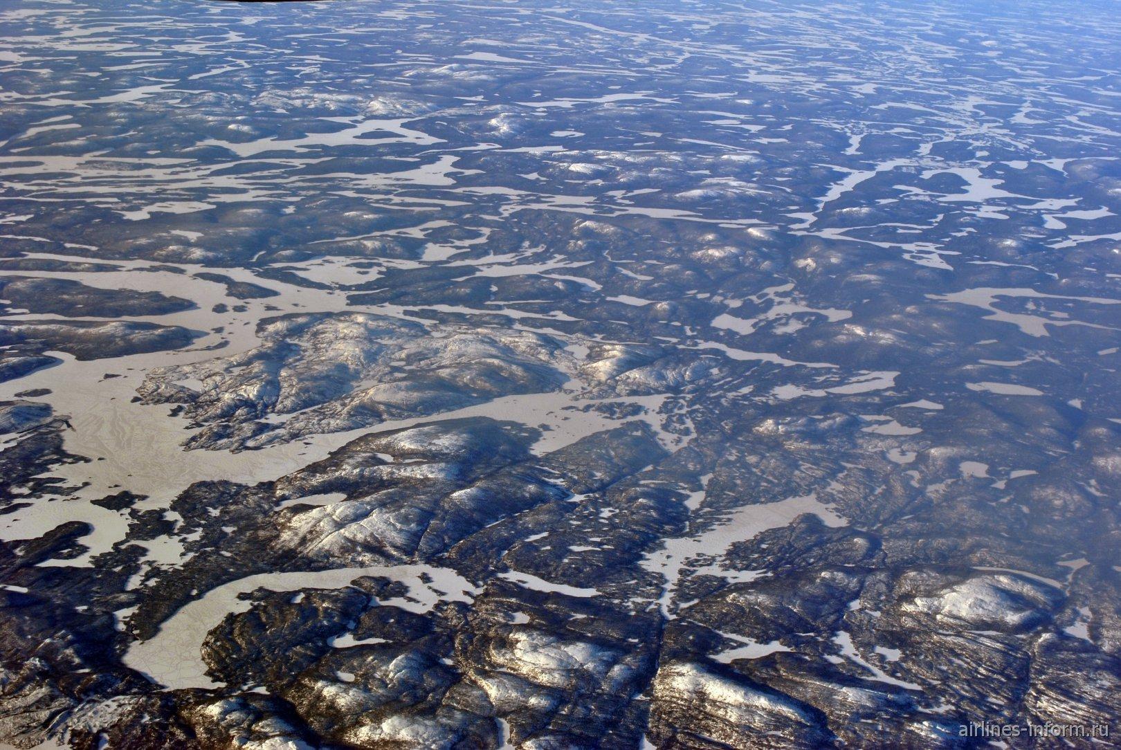 Озеро Lac Opiscotiche на востоке Канады