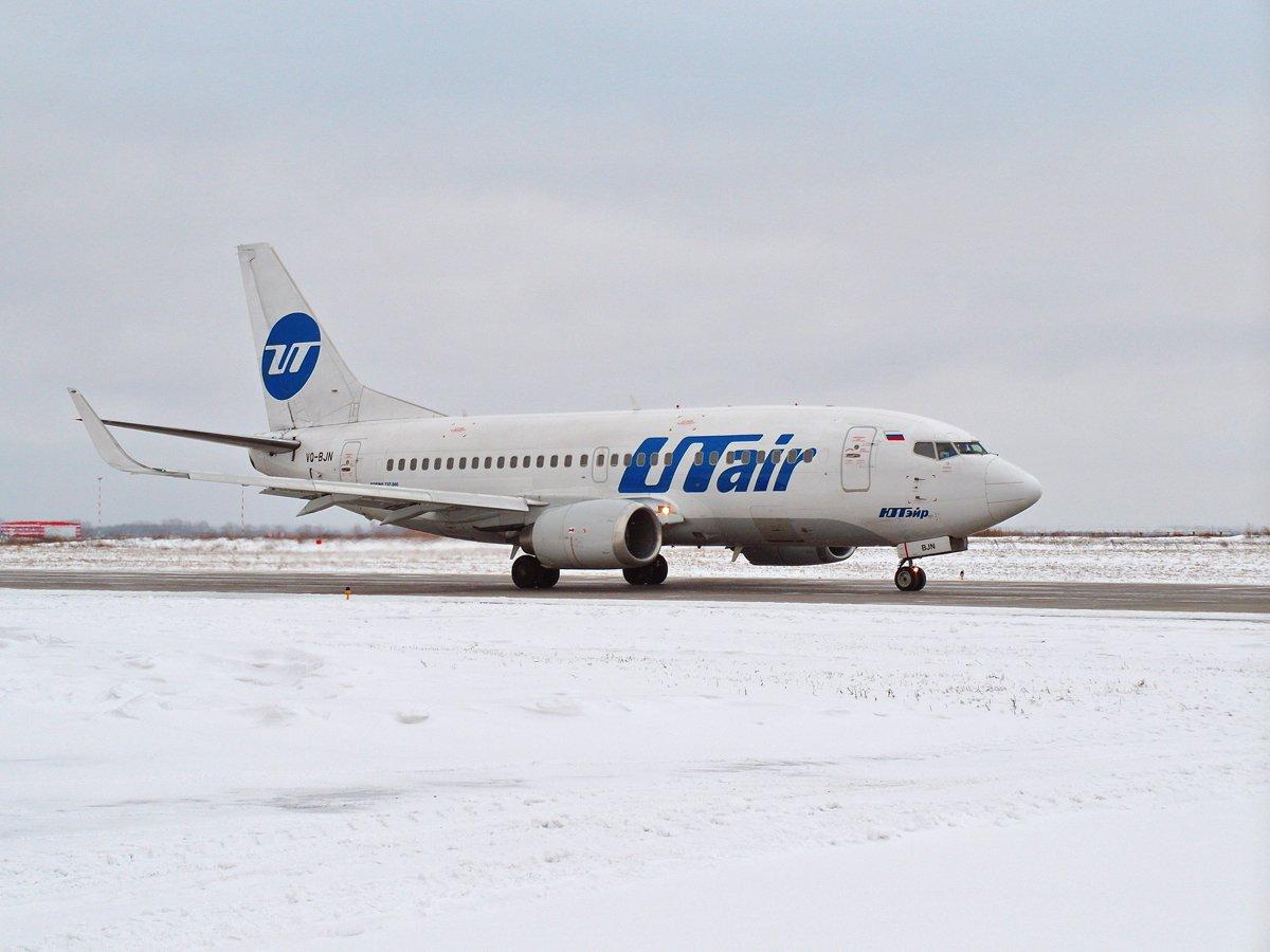 Боинг-737-500 авиакомпании UTair в аэропорту Уфа