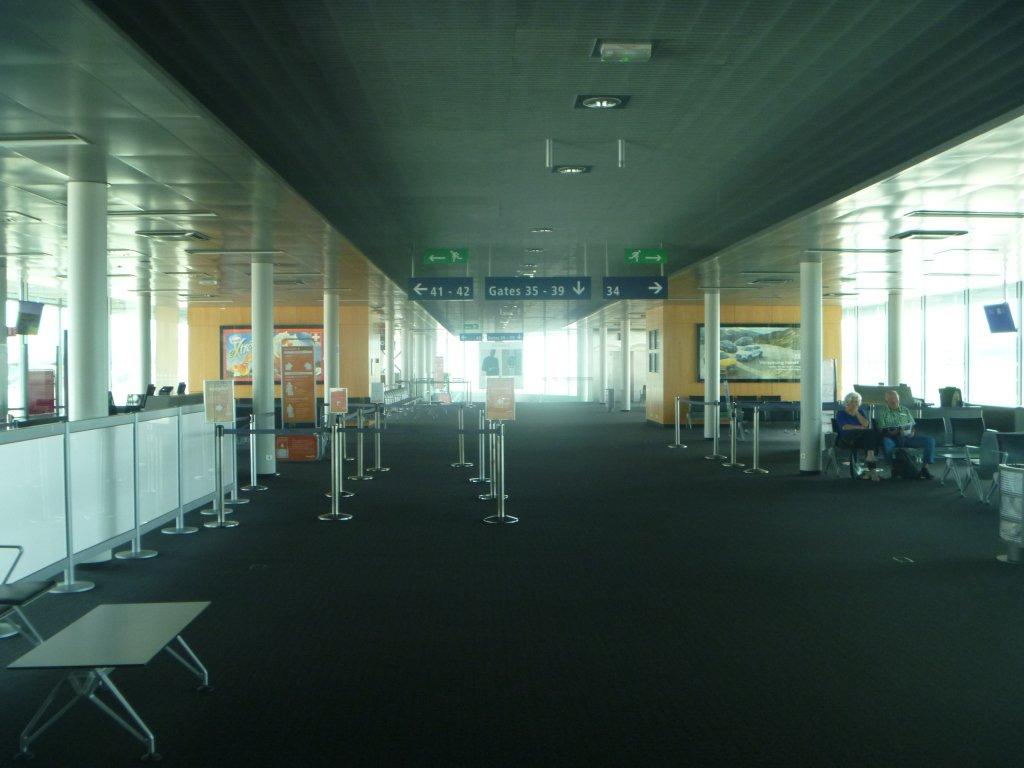 Зона выходов на посадку в аэропорту Базель-Мюльхаус-Фрайбург