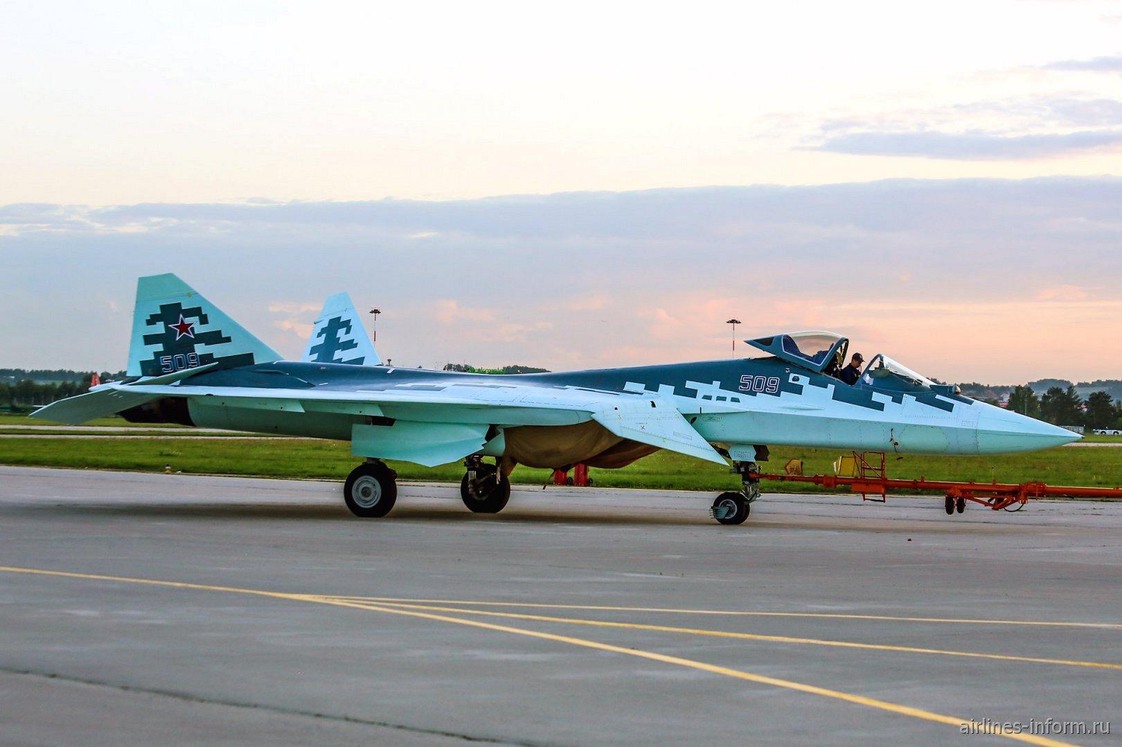 Фото истребителя Су-57 (Т-50)