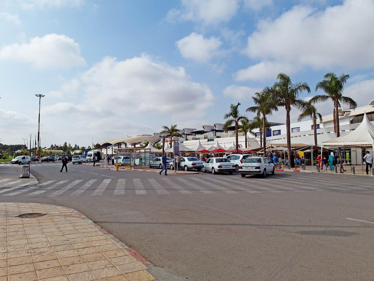 Привокзальная площадь аэропорта Касабланка Мухаммед Пятый