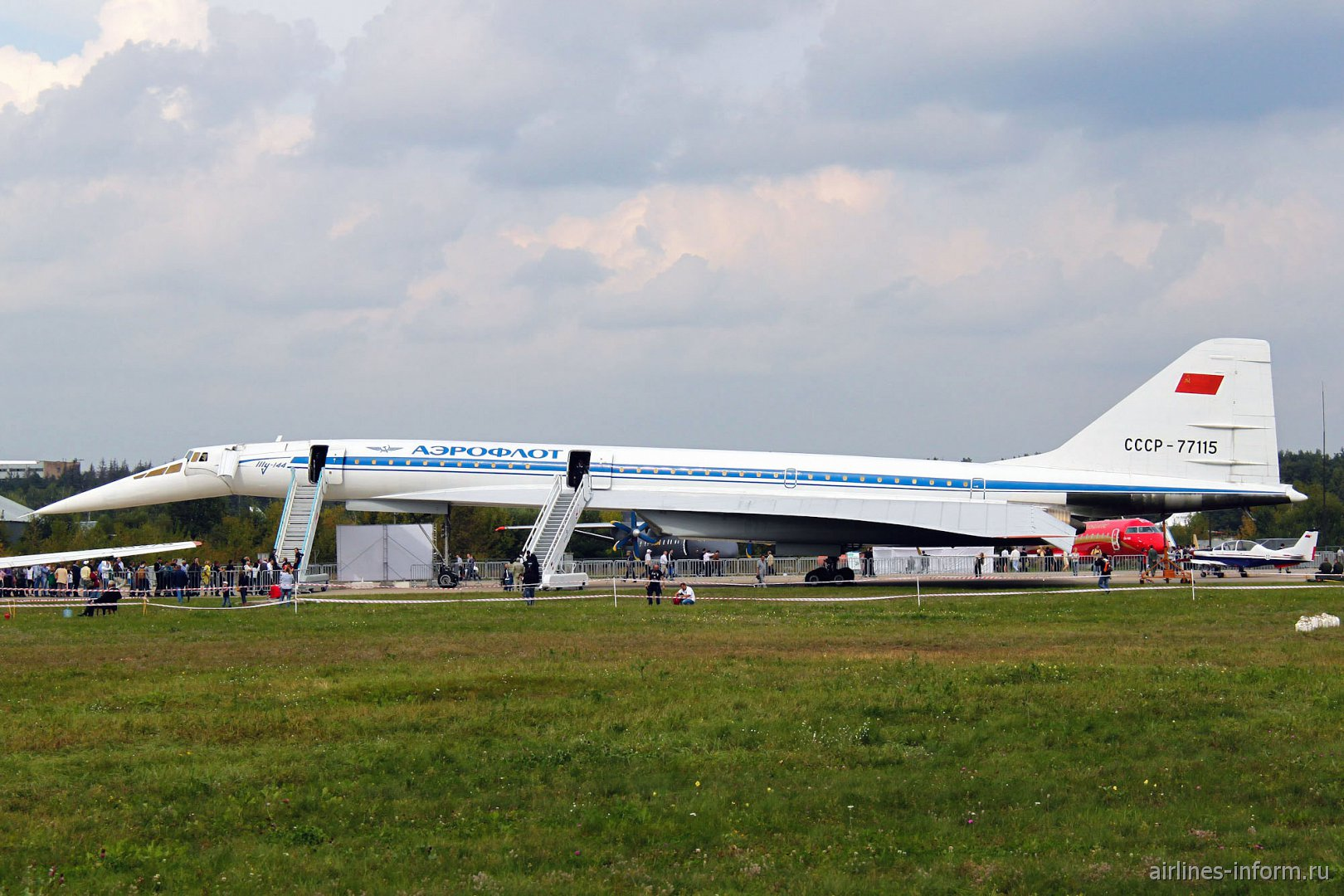 Самолет Ту-144 на авиасалоне МАКС-2013
