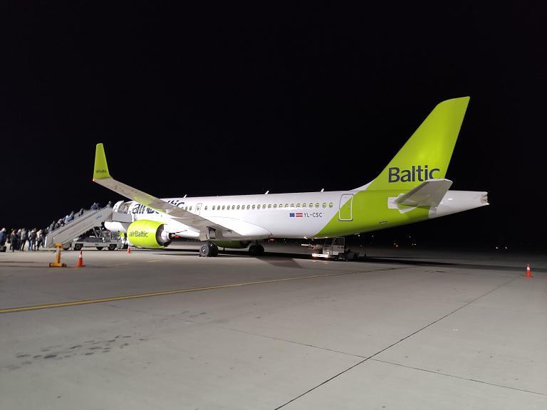 Европа 2021. Осень. Львов (LWO) - Рига (RIX). Airbus A220-300 AirBaltic.