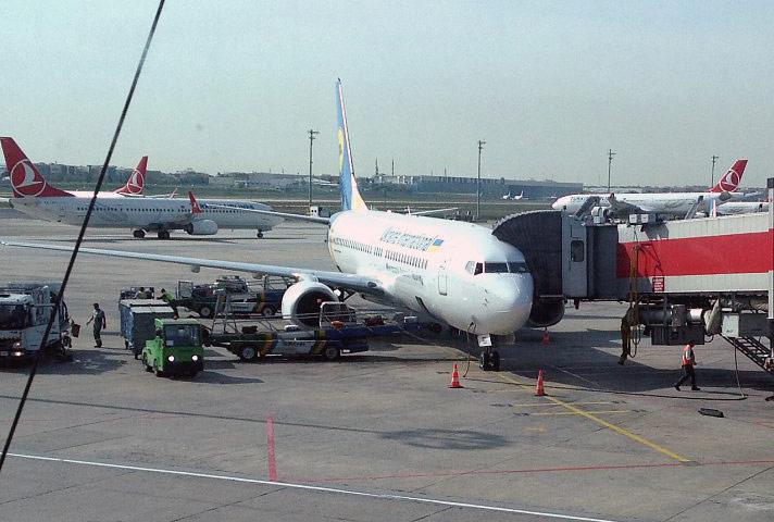 Под крыльями Евразии. Часть 2: к месту старта  Киев (KBP) - Стамбул Ататюрк (IST) с МАУ на Boeing 738