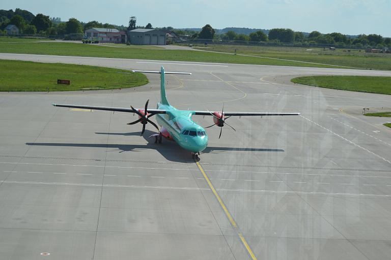 Вокруг Украины. Львов (LWO) - Киев (KBP) ATR72-600 Windrose.