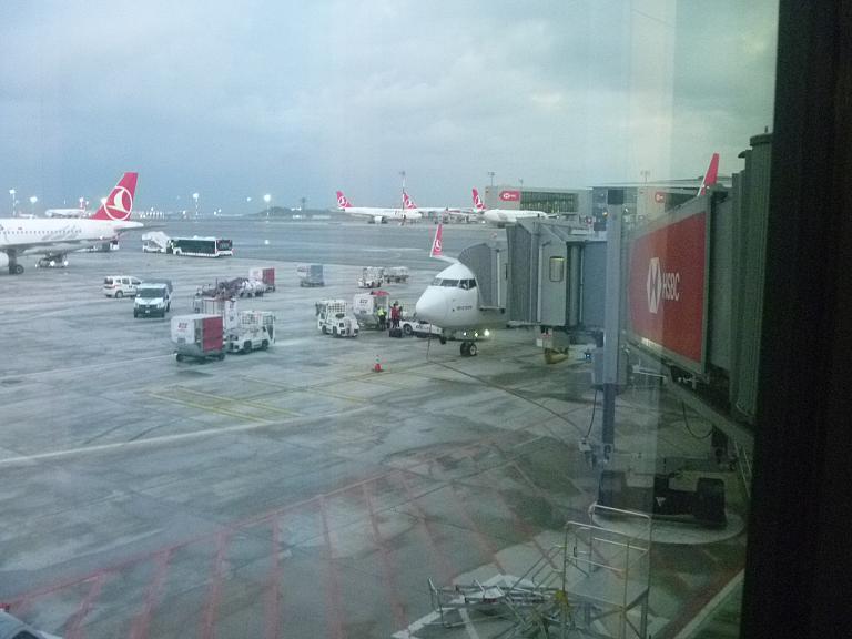 Поздней осенью по Турции. Часть 5 (заключительная). Стамбул (IST) - Минск на Boeing 737-800 Turkish Airlines .