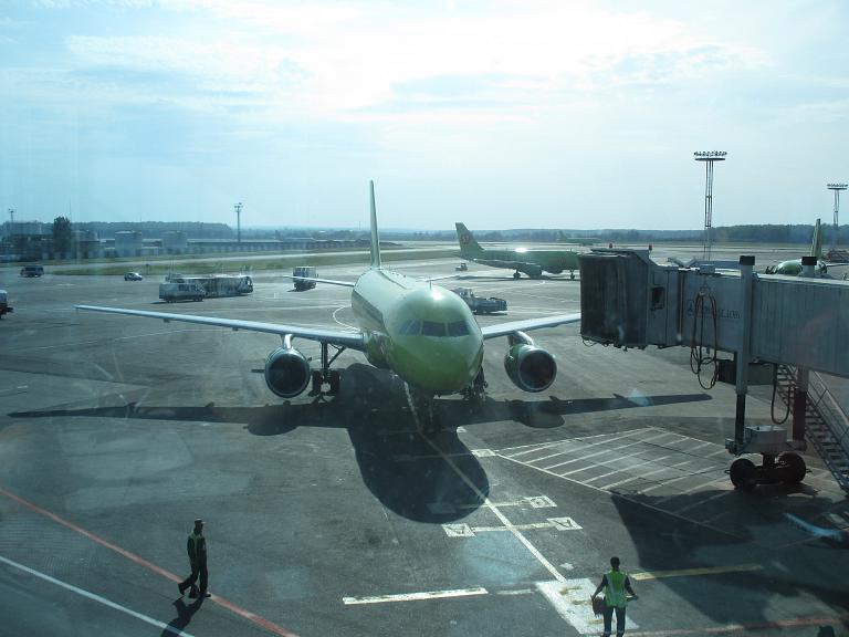 Командировка в Санкт-Петербург. Часть 2. Москва (Домодедово) - Санкт-Петербург (Пулково) на Airbus-319 с S7