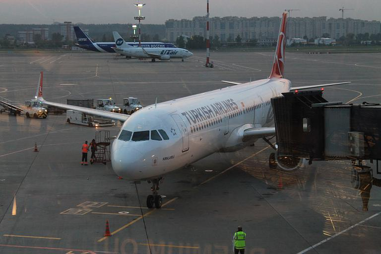 Москва (VKO) - Стамбул (IST) на Airbus A321-200 Turkish Airlines.