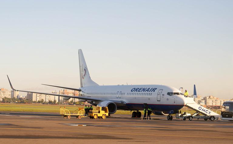 Москва-Омск, Оренбургские Авиалинии, Boeing 737-800, VQ-BJX
