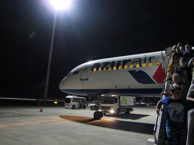 Летим отдыхать с Azur Air! Часть 1. Нижний Новгород Стригино GOJ - Анталья AYT на Boeing 757-200