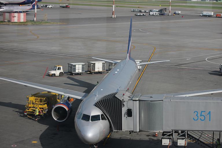 Фотообзор аэропорта Ларнака