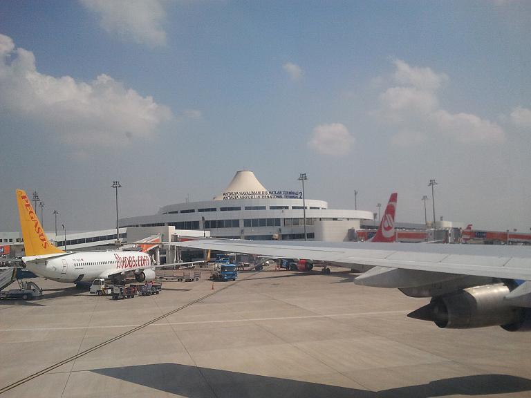 Чартер из СПБ в Анталию на Трансаэровском боинге 747