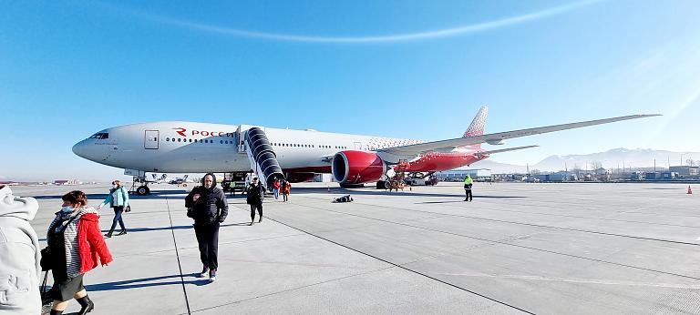 Москва (SVO)-Южно-Сахалинск (USS) Boeing 777-300 EI-GFB