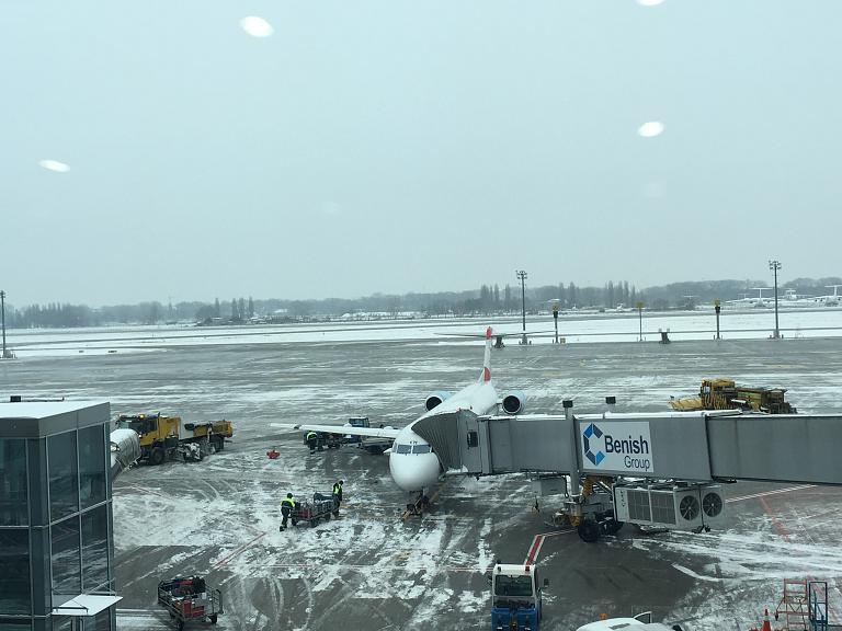 Вспоминая 2015-й год, или несостоявшийся перелёт домой. Часть 2. Киев - Вена  с Austrian Airlines на Fokker 100