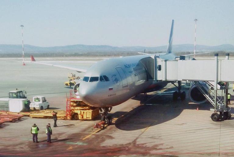 Омск-Москва-Владивосток Аэрофлотом. Часть вторая: Москва-Владивосток, Airbus A330-300, VQ-BQY, М. Шолохов