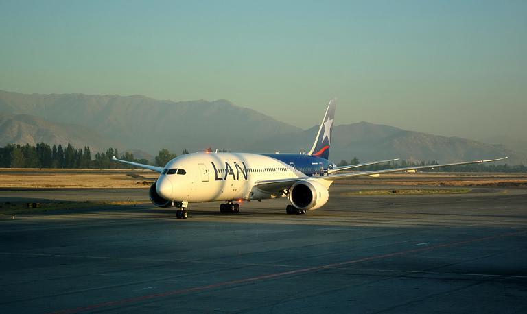 El Viento de los Andes. Сантьяго-де-Чили (SCL) - Сан-Паулу Гуарульюс (GRU) на Boeing 787-8 Dreamliner LAN Chile.