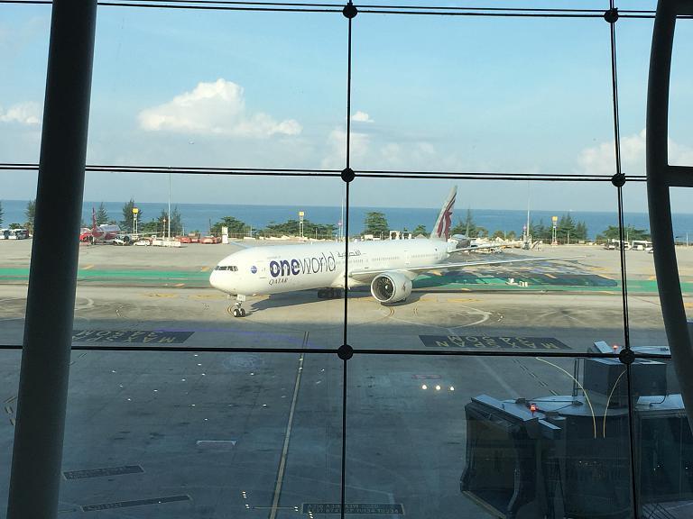 Встретимся в Дохе. Москва-Пхукет с Qatar Airways. Часть-2, Пхукет-Доха B777-300ER