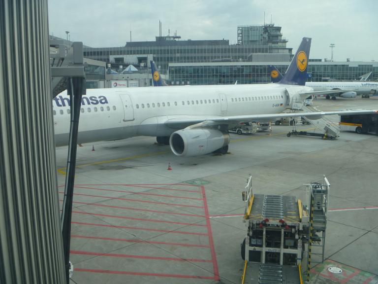 Путешествие по Европе. Часть 8. Мадрид (Т2)-Франкфурт на Майне на Airbus A321 Lufthansa.