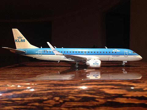 Обзор модели самолета Embraer 190 KLM от Gemini Jets 1:200
