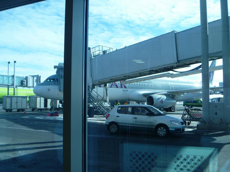 Из Европы в Азию и обратно. Часть 2. Москва (DME)-Доха на Airbus A321 Qatar Airways.