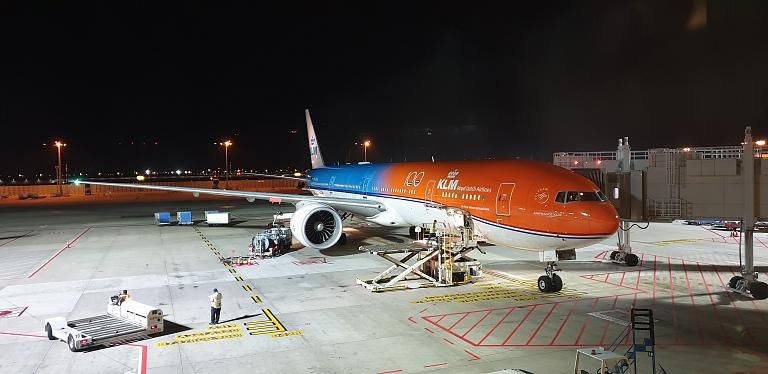 Сингапур Changi (SIG) - Амстердам Schiphol (AMS) с KLM на Boeing 777-300ER