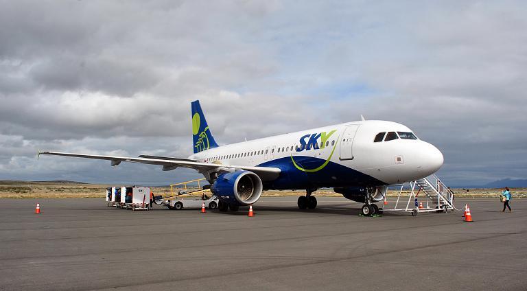 Фотообзор авиакомпании Скай Эйрлайн (Sky Airline)