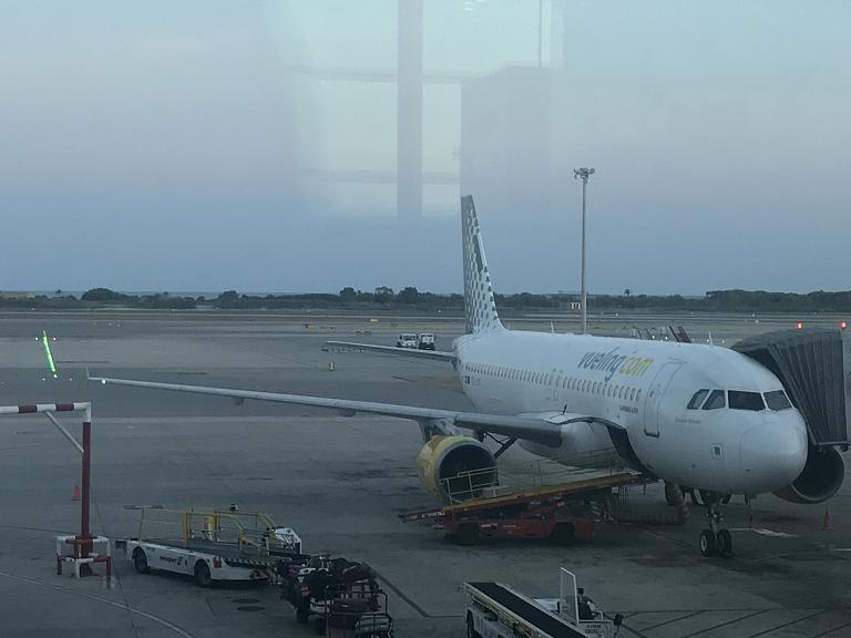 Отпуск ч.3: Барселона (BCN) - Мальта (MLA) на Airbus A320 авиакомпании Vueling (82 фото)