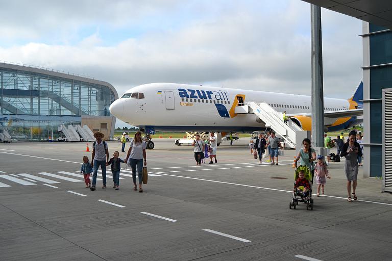 Продолжение сезона отпусков. Анталья (AYT) - Львов (LWO) с Azur Air Ukraine.