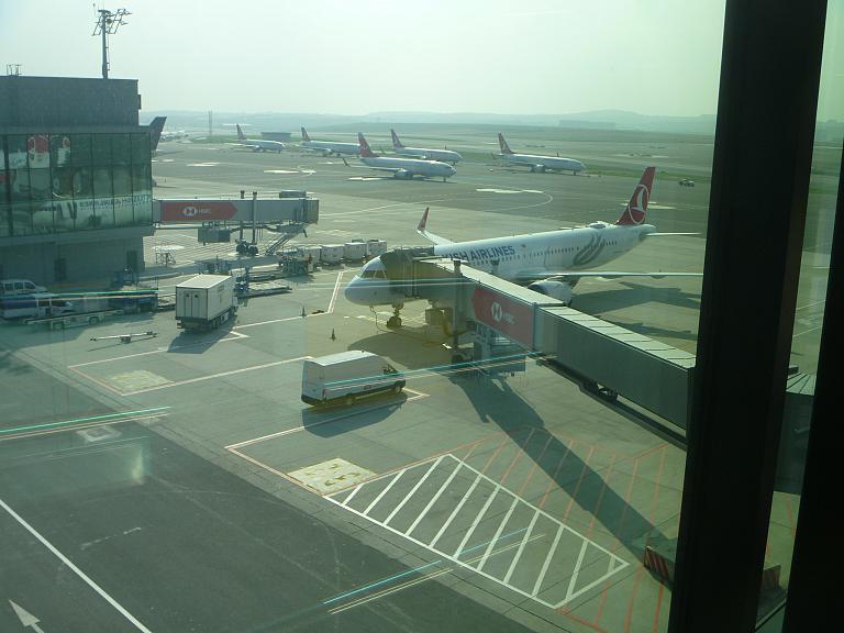 Поздней осенью по Турции. Часть 1. Минск - Стамбул (IST) на Airbus A321neo Turkish Airlines.