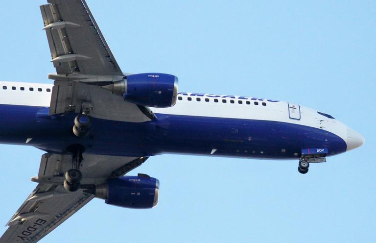 Омск-Москва-Сочи и обратно с Трансаэро. Часть четвёртая, Москва-Омск, Boeing 737-400, EI-DDY