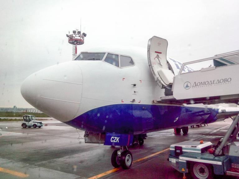 Омск-Москва-Сочи и обратно с Трансаэро. Часть первая: Омск-Москва, Boeing 737-400, EI-CZK