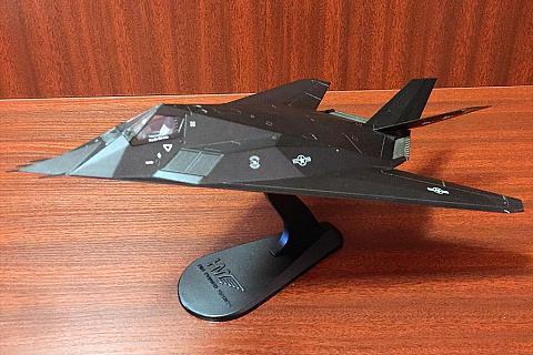 ФУТУРИСТИЧНОСТЬ ФОРМ И ГРАНЕЙ: HOBBY MASTER F-117 A