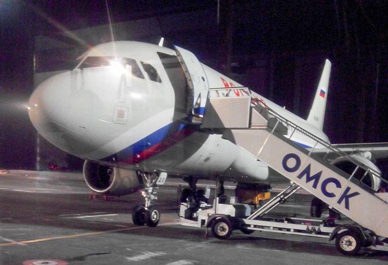 Омск - Санкт-Петербург, АК Россия, Airbus А319, VQ-BAV