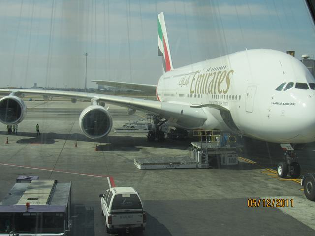 Бангкок-Гонконг-Дубай на А380