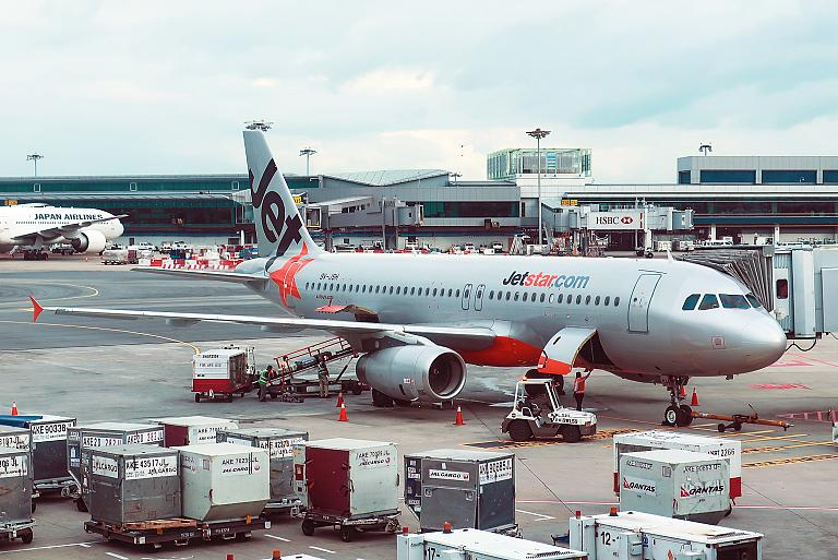 Гонконг-Сингапур рейсом авиакомпании Jetstar
