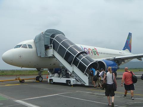 Фотообзор авиакомпании Смолл Плэнет Эйрлайнз (Small Planet Airlines)